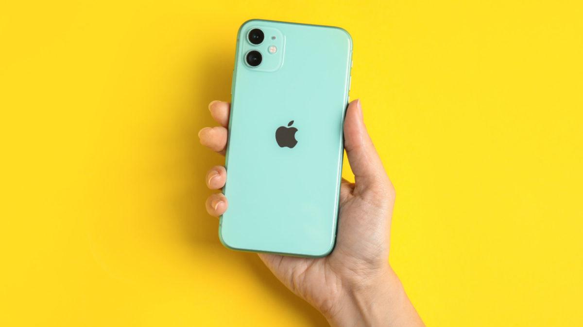 iPhone turned around showing Apple logo on back